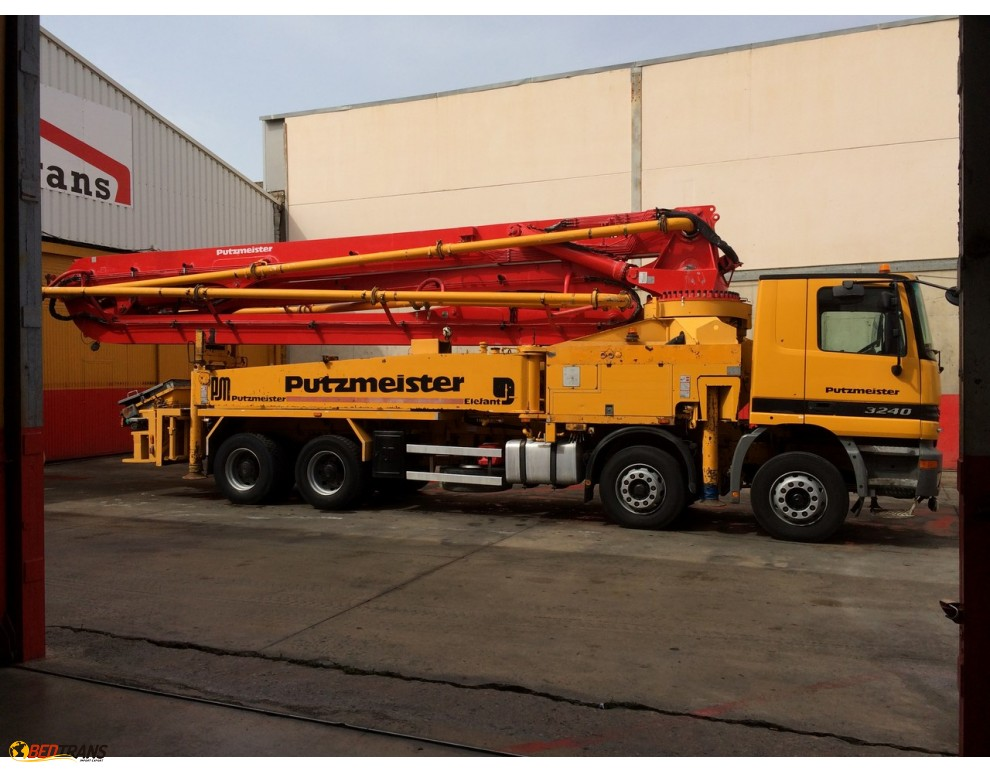 pompe b ton mercedes actros 3240 putzmeister 42 m spain trucks sales. Black Bedroom Furniture Sets. Home Design Ideas